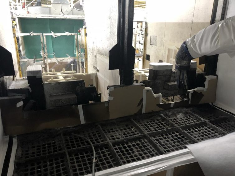 Robot Glue application cell B + M Surface System with hot air oven for sale
