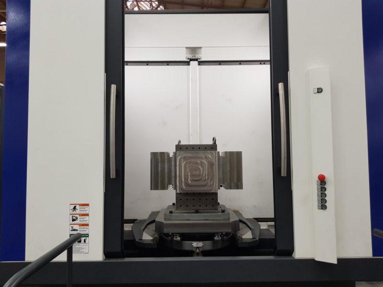 HYUNDAI XH6300 3+1-Achs-Horizontalbearbeitungszentrum mit 2-fach-Palettenwechsler zu verkaufen