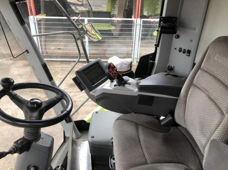 Combine harvester Claas Tucano 430, year of construction 2014 for sale