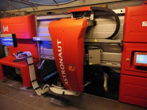 milking robot 2 right x Lely Astronaut A3 Classic incl. Atlas Copco compressor with dryer for sale